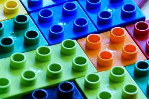 Bausteine für Kinder können aus Lignin hergestellt werden