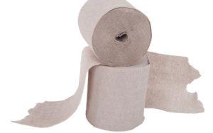 Plastik im Badezimmer kann man auch bei Toilettenpapier einsparen